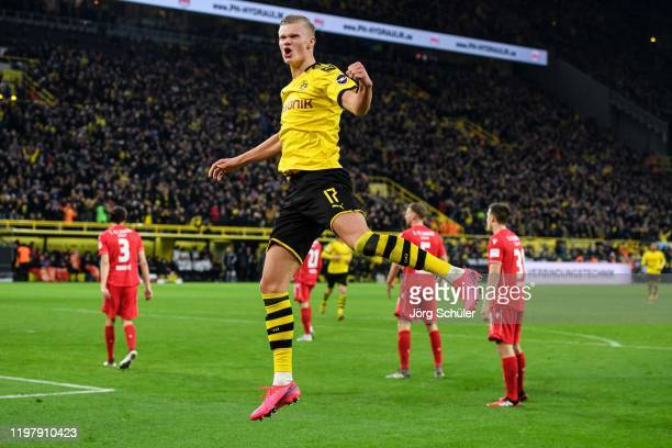 Erling Haaland of Dortmund celebrates his teams fifth goal during the Bundesliga match between Borussia Dortmund and 1 FC Union Berlin at Signal...