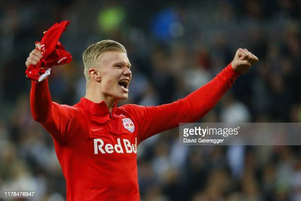 Erling Haaland of Salzburg celebrates the victory after the tipico Bundesliga match between FC Red Bull Salzburg and SK Rapid Wien at Red Bull Arena...