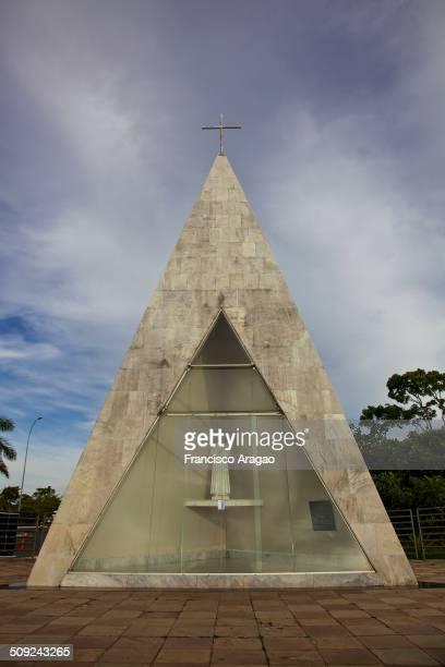 A Ermida Dom Bosco localizase no lago Paranoá e é um importante monumento dedicado à construção de Brasília