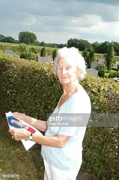 Erna Bobbert ExSchwiegermutter von Rudi Carrell Mutter von Anke Kesselaar 'Friedhof Heiligenfelde' nähe Grab von Rudi Carrel und ExEhefrau Anke...