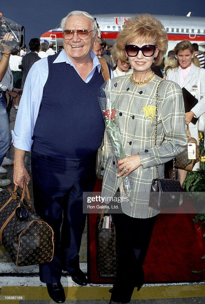 Ernest Borgnine and Tova Borgnine US Air Arrival : News Photo