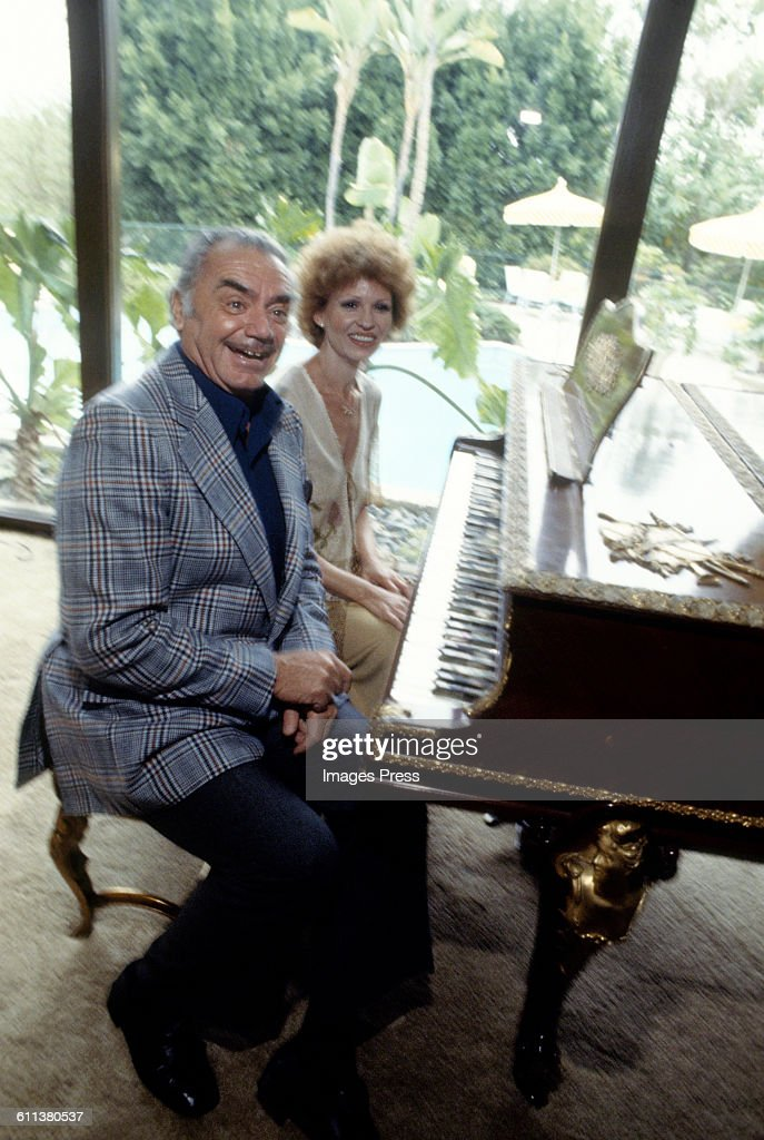 At Home with Ernest Borgnine and wife Tova Borgnine : News Photo