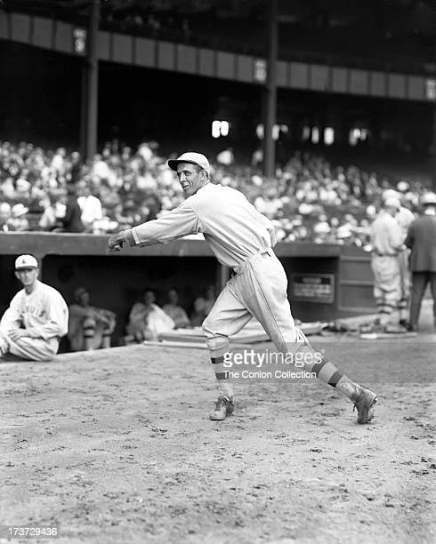 Ernest J Wingard of the St Louis Browns throwing a ball in 1927
