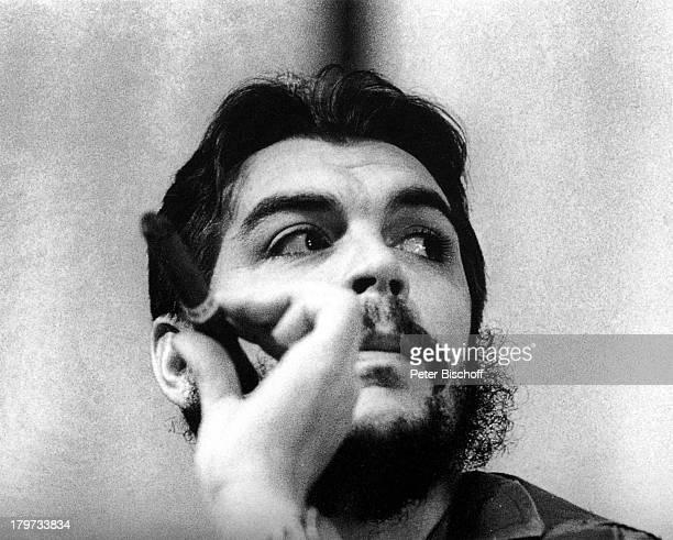 Ernesto Che Guevara Geb 14 Juni1928 Arzt Guerillaführer 1967 vonbolivianischen Soldaten aus dem Hinterhalterschossen Zigarre