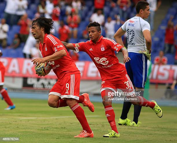 Ernesto Farias of America de Cali celebrates after scoring the first goal of his team during a match between Depor FC and America de Cali as part of...