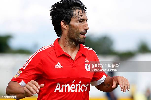 Ernesto Farias of América de Cali celebrates after scoring the first goal of his team during a match between Depor FC and America de Cali as part of...