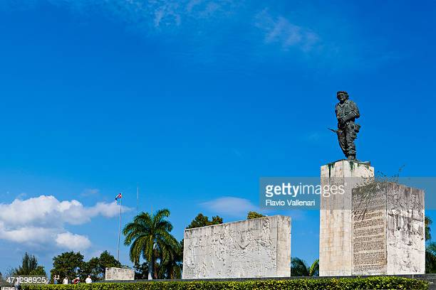 "ernesto ""che"" guevara memorial, santa clara, cuba - santa clara cuba stock pictures, royalty-free photos & images"