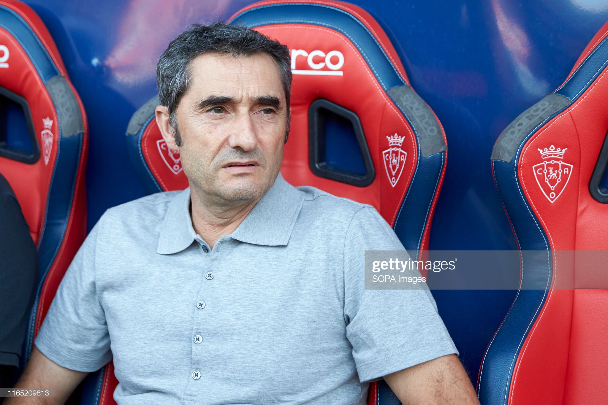 صور مباراة : أوساسونا - برشلونة 2-2 ( 31-08-2019 )  Ernesto-valverde-after-the-spanish-la-liga-santander-match-between-ca-picture-id1165209813?s=2048x2048