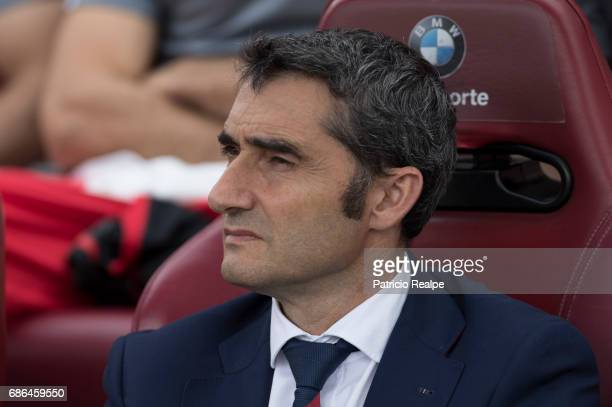 Ernesto Valverde coach of Athletic Club Bilbao looks on before of the La Liga match between Club Atletico de Madrid and Athletic Club Bilbao at...