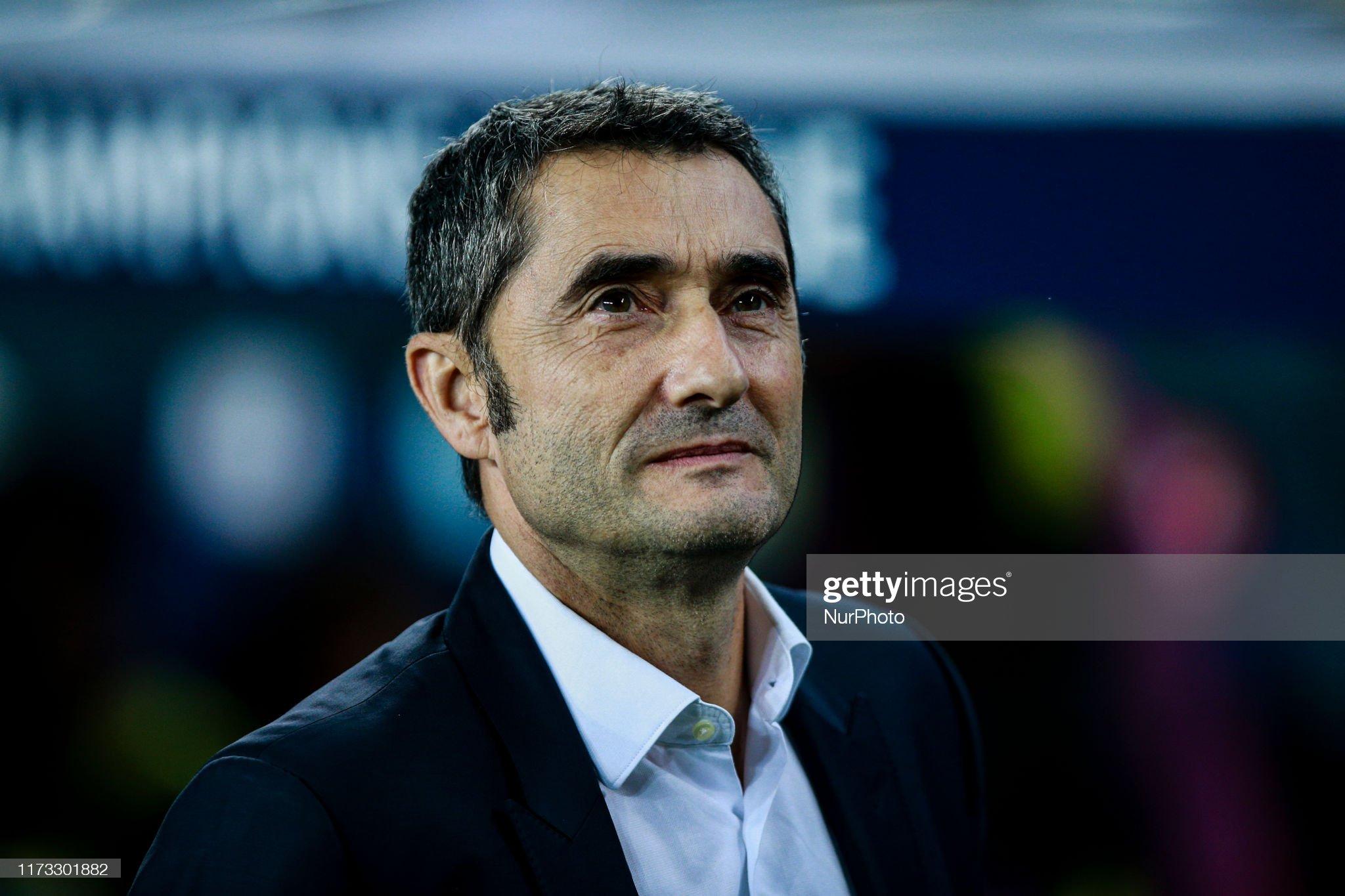 صور مباراة : برشلونة - إنتر 2-1 ( 02-10-2019 )  Ernesto-valverde-from-spain-of-fc-barcelona-during-the-uefa-champions-picture-id1173301882?s=2048x2048
