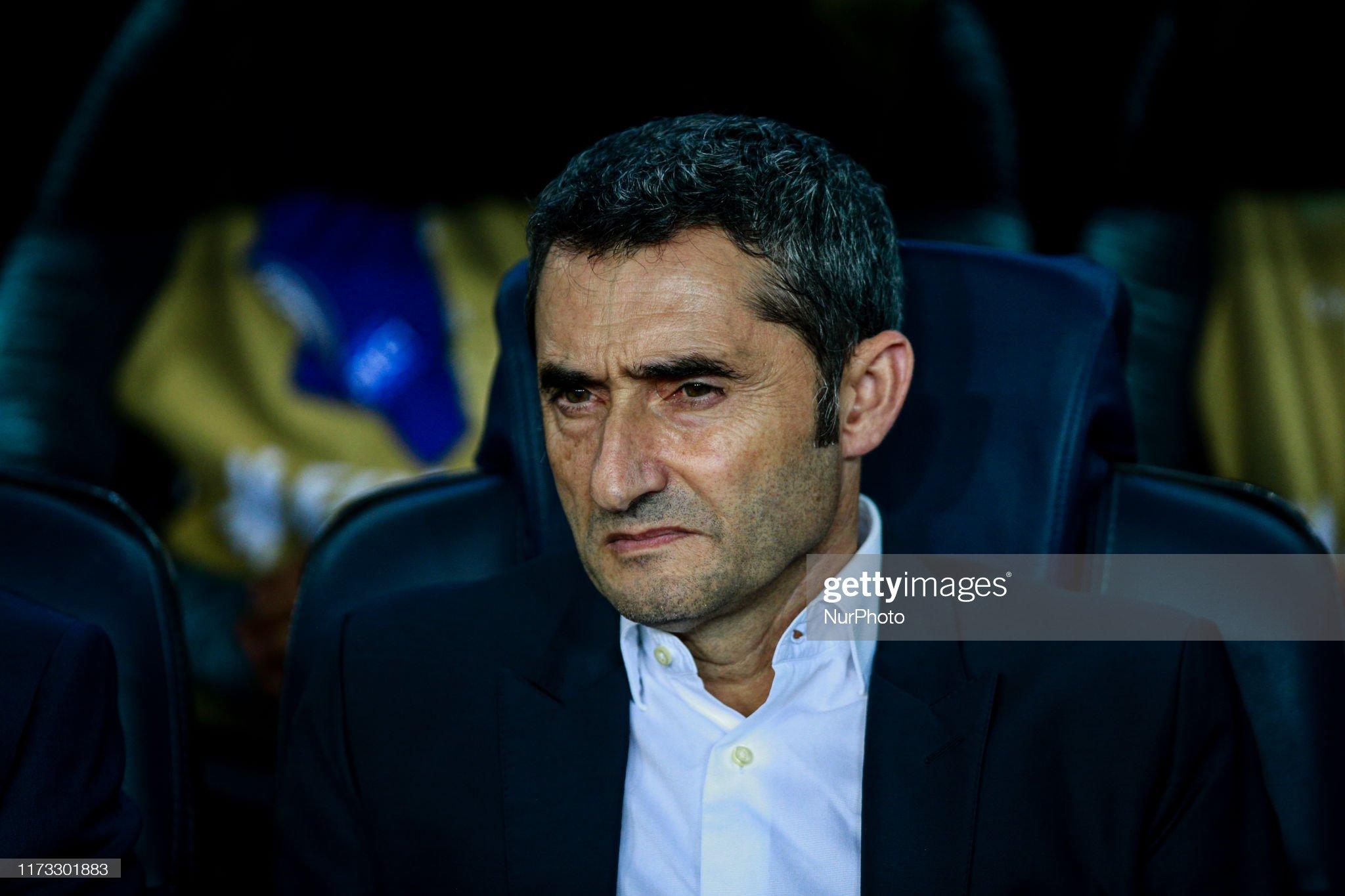 صور مباراة : برشلونة - إنتر 2-1 ( 02-10-2019 )  Ernesto-valverde-from-spain-of-fc-barcelona-during-the-uefa-champions-picture-id1173301883?s=2048x2048