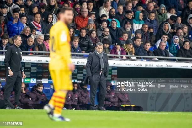 Ernesto Valverde head coach of Barcelona and Lionel Messi of Barcelona during the Espanyol V Barcelona La Liga regular season match at RCDE Stadium...
