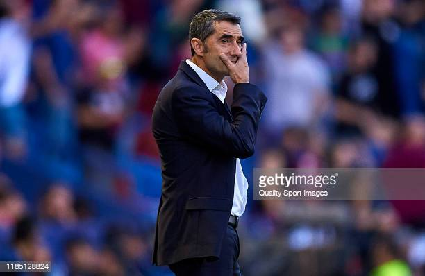 Ernesto Valverde, head coach of FC Barcelona looks on during the Liga match between Levante UD and FC Barcelona at Ciutat de Valencia on November 02,...