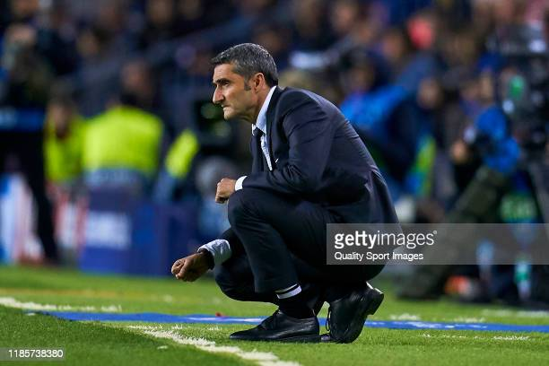 Ernesto Valverde head coach of FC Barcelona looks on during the UEFA Champions League group F match between FC Barcelona and Slavia Praha at Camp Nou...