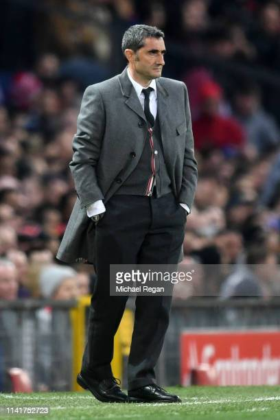 Ernesto Valverde Manager of Barcelona during the UEFA Champions League Quarter Final first leg match between Manchester United and FC Barcelona at...