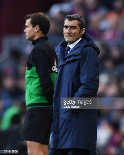 Ernesto Valverde Manager of Barcelona looks on during the La Liga match between FC Barcelona and Real Madrid CF at Camp Nou on October 28 2018 in...