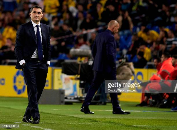 Ernesto Valverde Manager of Barcelona looks on during the La Liga match between Las Palmas and FC Barcelona at Estadio Gran Canaria on March 1 2018...