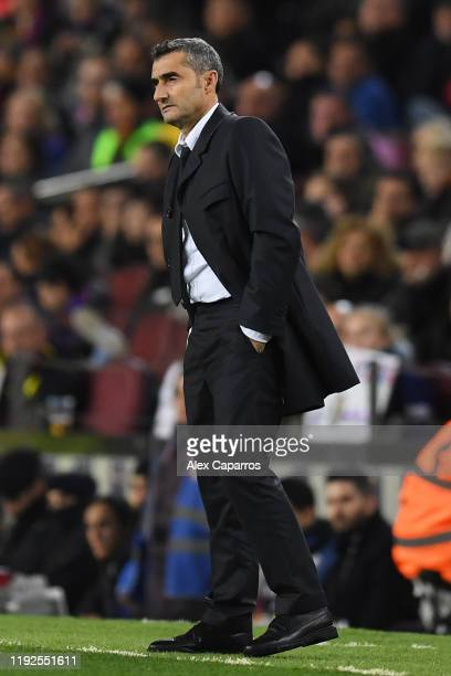 Ernesto Valverde manager of Barcelona looks on during the Liga match between FC Barcelona and RCD Mallorca at Camp Nou on December 07 2019 in...