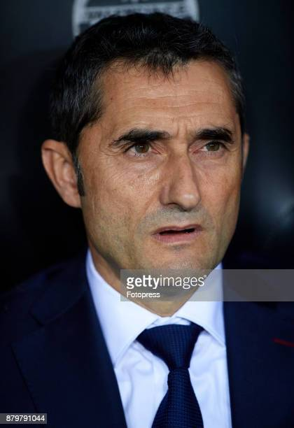 Ernesto Valverde Manager of Barcelona of Barcelona looks on prior to the La Liga match between Valencia and Barcelona at Estadio Mestalla on November...