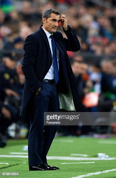 Ernesto Valverde Manager of Barcelona of Barcelona reacts during the La Liga match between Valencia and Barcelona at Estadio Mestalla on November 26...
