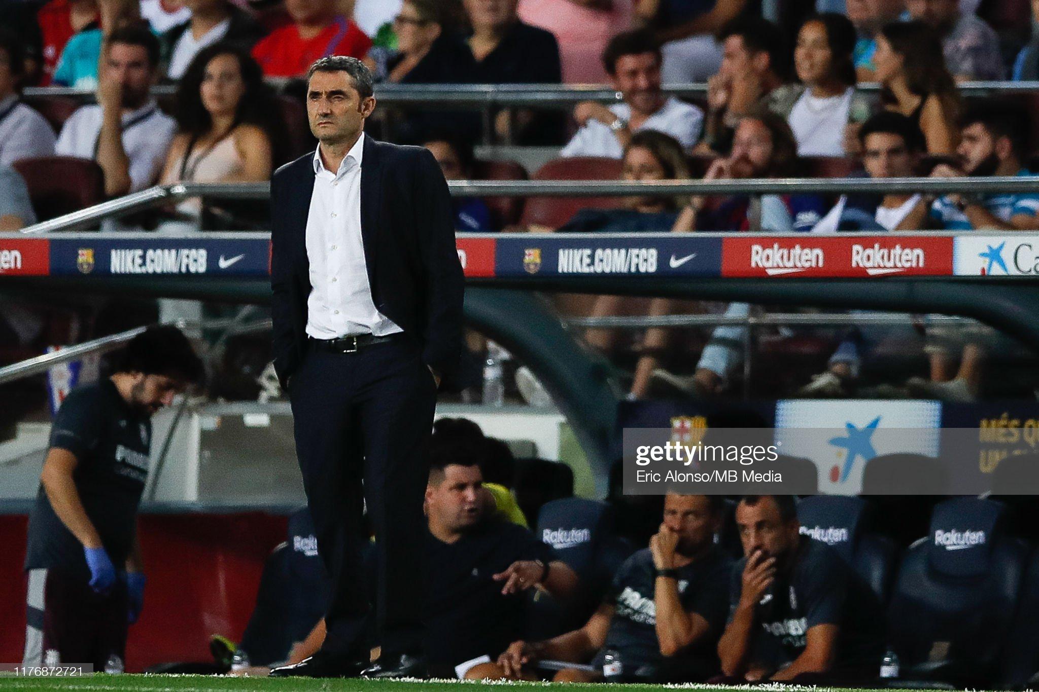 صور مباراة : برشلونة - فياريال 2-1 ( 24-09-2019 )  Ernesto-valverde-of-fc-barcelona-looks-on-during-the-liga-match-fc-picture-id1176872721?s=2048x2048