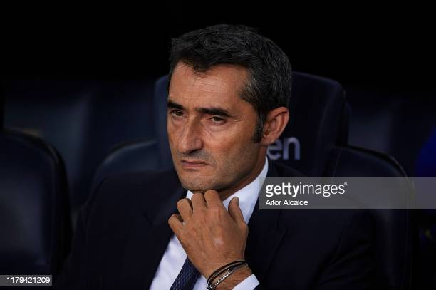 Ernesto Valverde of FC Barcelona looks on during the Liga match between FC Barcelona and Sevilla FC at Camp Nou on October 06, 2019 in Barcelona,...