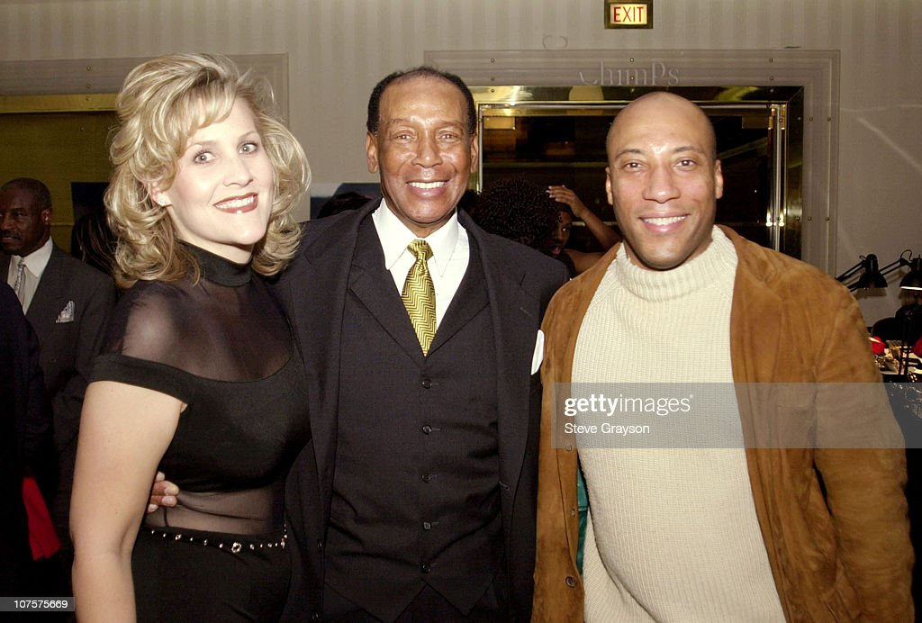 Ernie Banks Hosts Childrens Miracle Network Fundraiser : News Photo