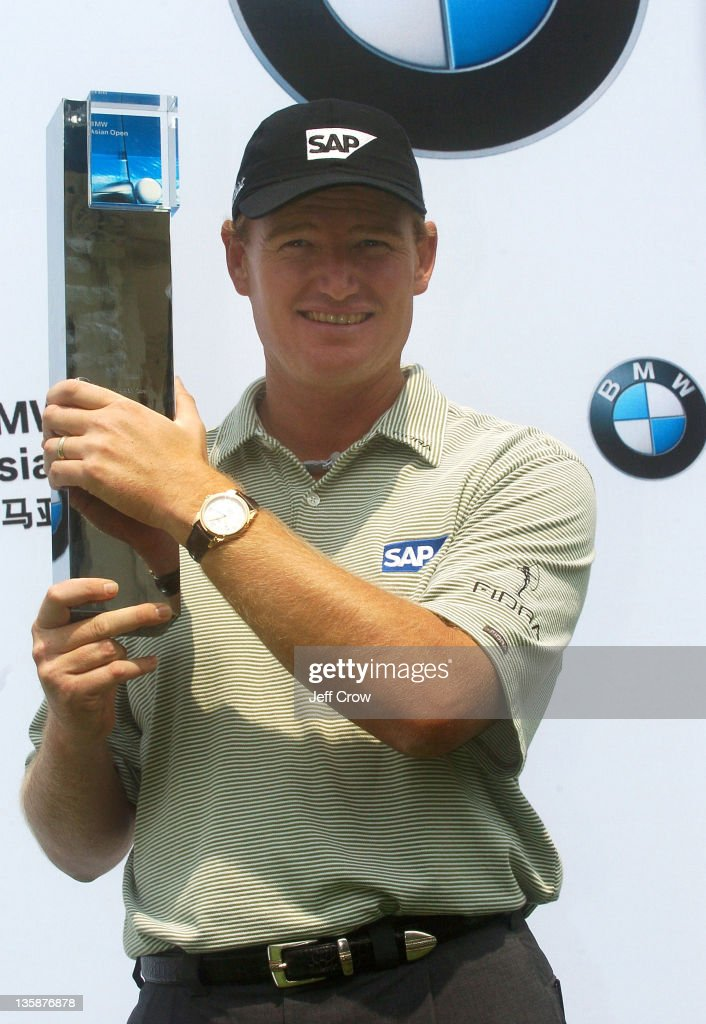 Ernie Els from South Africa with the trophy after winning by 13 strokes at 26 under par at the BMW Asian Open, Tomson Golf Club, Shanghai, China May 2, 2005