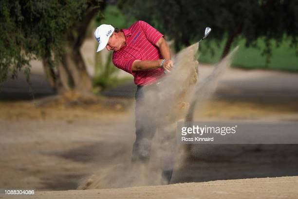 Ernie Els of South Africa takes his third shot on hole fourteen during Day Two of the Omega Dubai Desert Classic at Emirates Golf Club on January 25...
