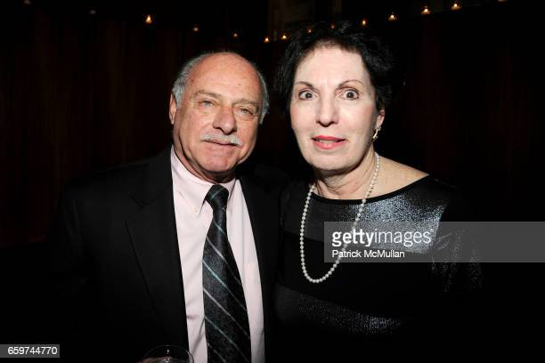 Ernie Gisolfi and Rosalie Gisolfi attend PARADE MAGAZINE and SI Newhouse Jr honor Walter Anderson at The 4 Seasons Grill Room on March 31 2009 in New...