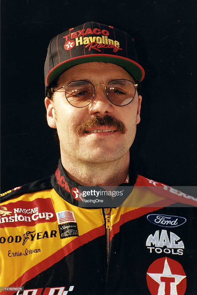 Ernie Irvan - NASCAR 1996 : News Photo