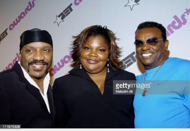 Ernie Isley of the Isley Brothers Mo'Nique and Ronald Isley of the Isley Brothers