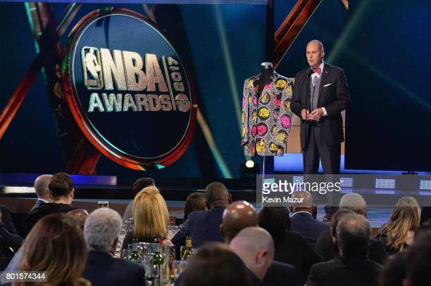 Ernie Johnson presents the Sager Strong Award during the 2017 NBA Awards Live on TNT on June 26 2017 in New York New York 27111_002