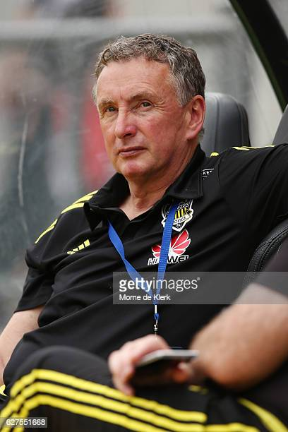 Ernie Merrick coach of Wellington Phoenix looks on during the round nine ALeague match between Adelaide United and the Wellington Phoenix at Coopers...