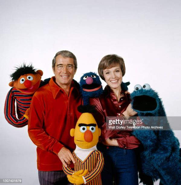 Ernie, Perry Como, Grover, Julie Andrews, Cookie Monster, Bert, the Muppets promotional photo for the ABC tv special 'Julie on Sesame Street'.