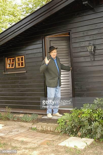 Ernst Stankovski Ferienhaus in Klosterneuburg bei Wien/Österreich Musiker Schauspieler Eingangstür Hut grüßen Promi Promis Prominente PNr 561/2004 MP...