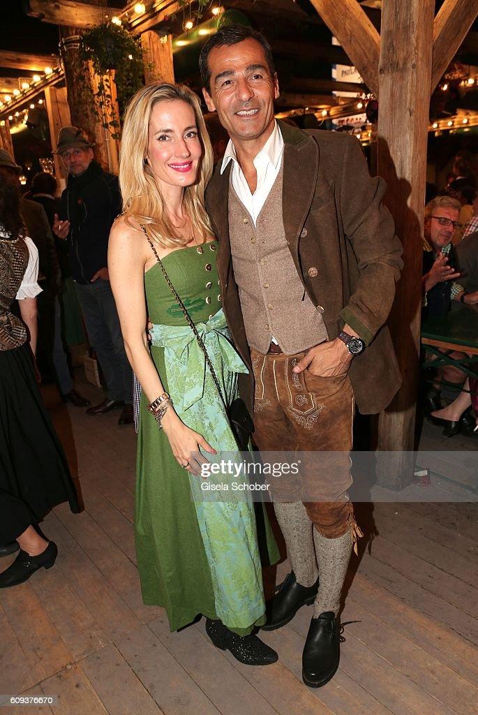 Celebrities At Oktoberfest 2016 - Day 4 : Fotografía de noticias