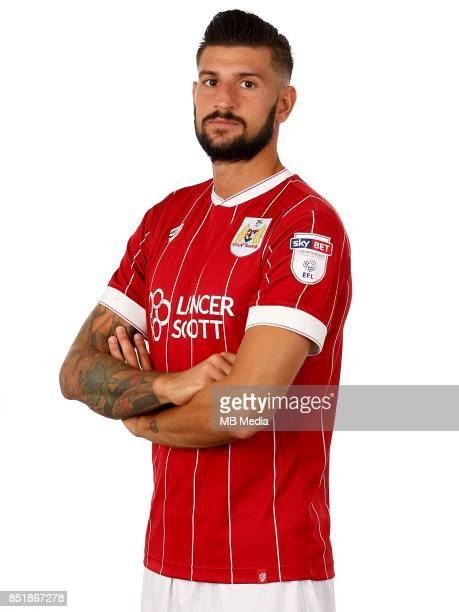 Eros Pisano of Bristol City Mandatory byline Robbie Stephenson/JMP FOOTBALL Ashton Gate Bristol England Bristol City Headshots