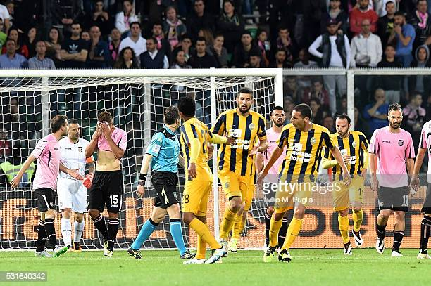Eros Pisano of Hellas Verona is celebrated after scoring his team's second goal during the Serie A match between US Citta di Palermo and Hellas...
