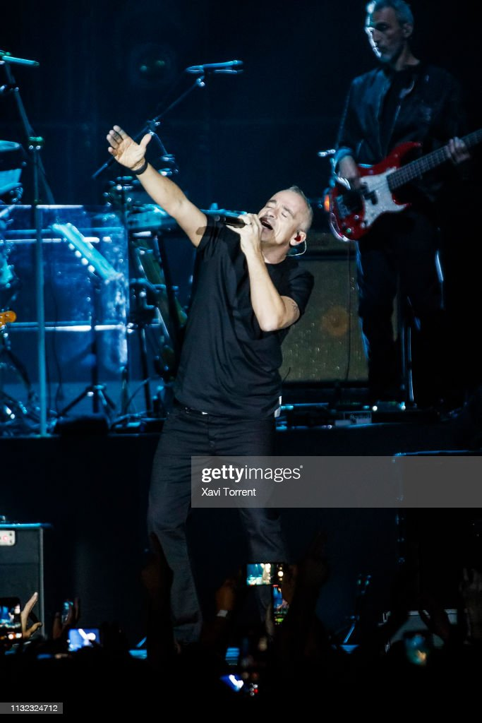 ESP: Eros Ramazzotti Performs In Concert In Barcelona