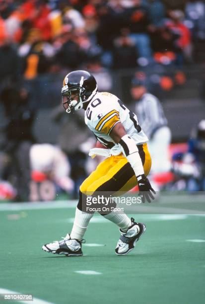 Erric Pegram of the Pittsburgh Steelers carries the ball against the Cincinnati Bengals during an NFL football game November 10 1996 at Riverfront...