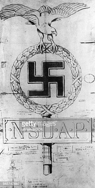 Erste Werkzeichnung für die Standarten der NSDAP von Gahr mit verschiedenen Notizen Hitlers Der Adler wurde verspätet geändert