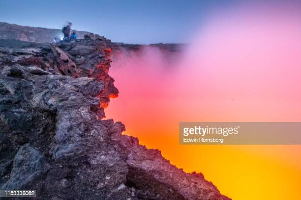 erte ale - shield volcano stock pictures, royalty-free photos & images