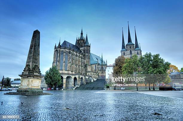 erthal-obelisk, cathedral and st. severus church in erfurt - germany - erfurt stock pictures, royalty-free photos & images