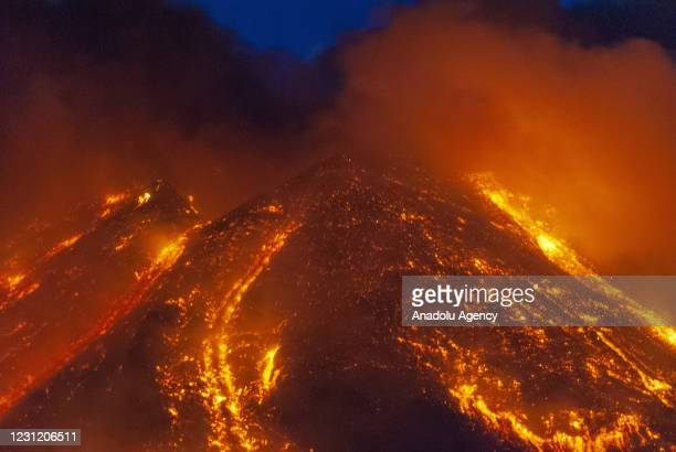Eruption at Mount Etna, in the late afternoon there was a major increase in volcanic activity at the Southeast Crater, followed by a violent...