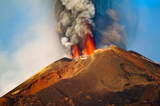 Eruption Etna 533049357