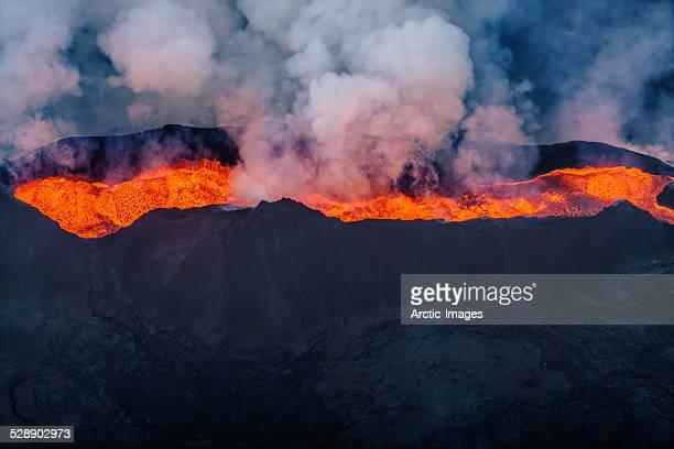 eruption, holuhraun, bardarbunga volcano, iceland - erupting stock pictures, royalty-free photos & images