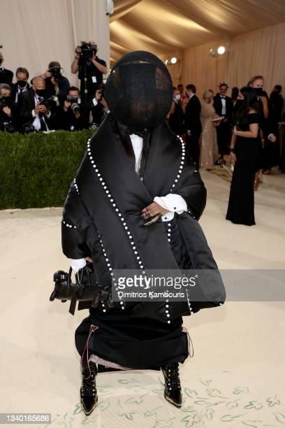 Erykah Badu attends The 2021 Met Gala Celebrating In America: A Lexicon Of Fashion at Metropolitan Museum of Art on September 13, 2021 in New York...