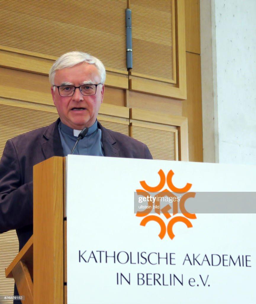 Erzbischof Heiner Koch Aufgenommen Bei Der Veranstaltung Berlin Wählt In  Der Katholischen Akademie In Berlin Mitte
