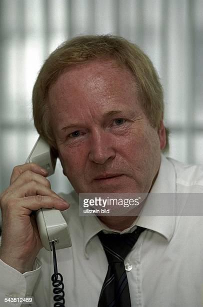 Erziehungswissenschaftler Prof Peter Struck von der Universität Hamburg am Telefon